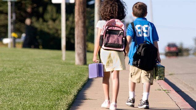 Marcher pour aller à l'école, c'est bon pour le moral!